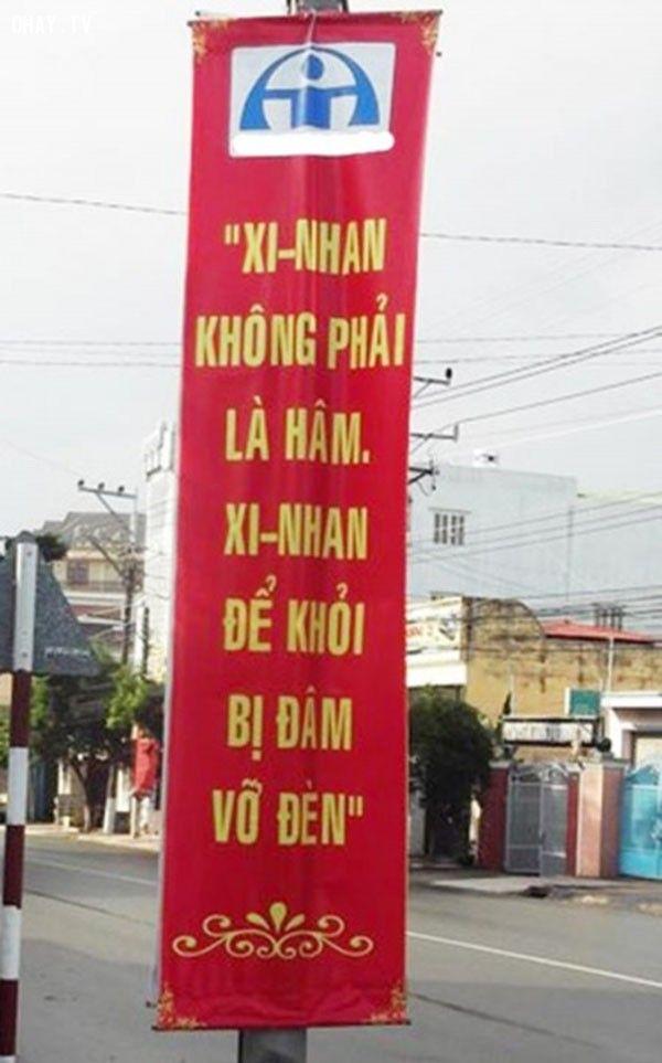 Bảng báo dành cho mấy tay lái lụa qua đường chẳng dòm ngó ai - Ảnh: Internet