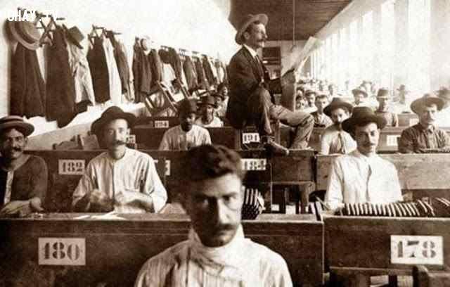10 công việc lạ lùng trong quá khứ hiện không còn tồn tại