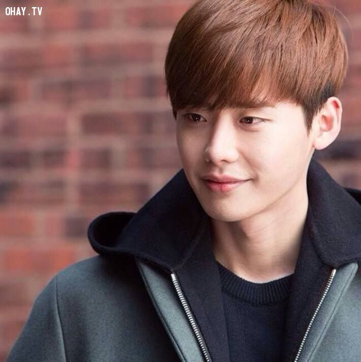 Lee Jong Suk - chàng trai được đánh giá cao cả về ngoại hình lẫn diễn xuất.