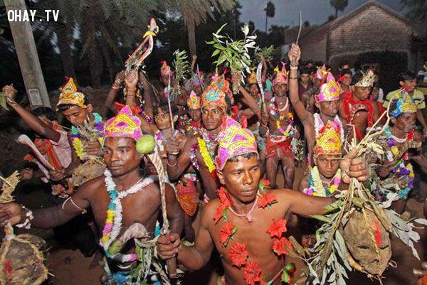 Tổng hợp 5 lễ hội kỳ quặc và kinh dị nhất thế giới