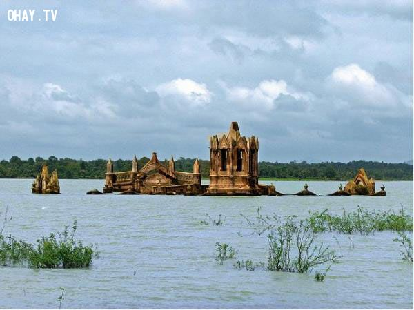 ảnh nhà thờ,ngâm nước,công trình ngập nước