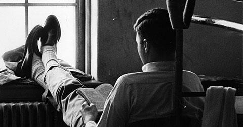Sự khác biệt trong cách đọc sách giữa người giàu và người nghèo