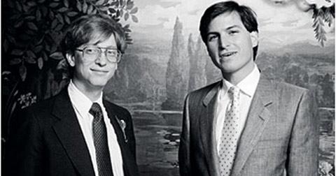 Steve Jobs và Bill Gates câu chuyện không hồi kết…
