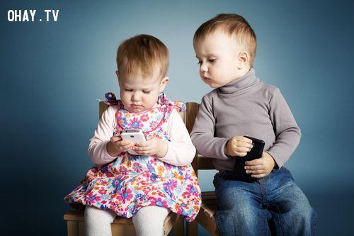 ảnh tác hại của smartphone,smartphone,trẻ em,sức khỏe trẻ em