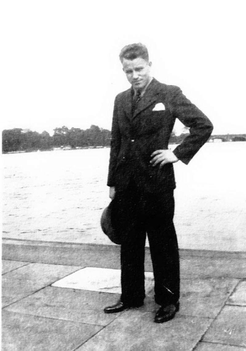 ảnh August Landmesser,phát xít,đức quốc xã,hitler,chào kiểu phát xít
