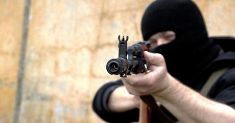 Bạn cần làm gì khi gặp khủng bố?