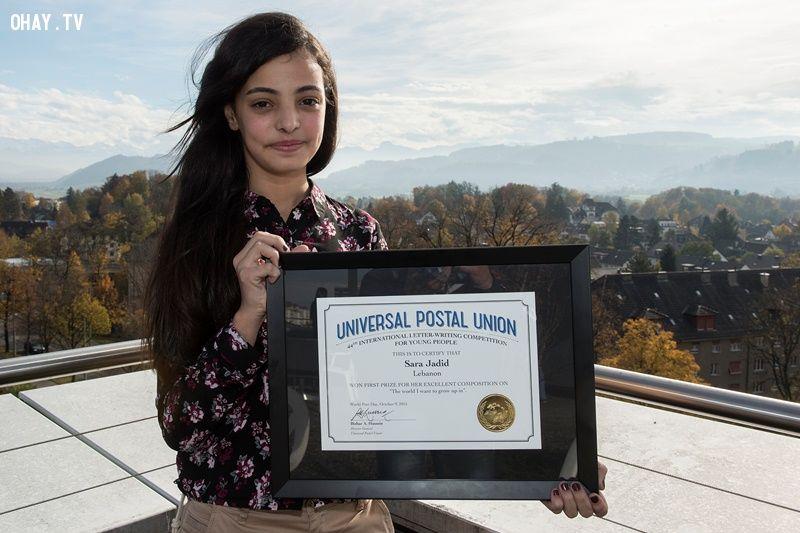 Sara Jadid và Bằng chứng nhận cho Giải Nhất Quốc tế cuộc thi năm nay