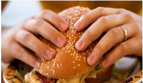 ảnh Ăn uống vô thức,ăn khi đói,ăn nhiều,giảm cân