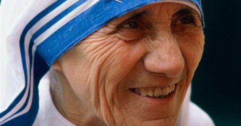 Mẹ Teresa – Sự thật phía sau ánh hào quang