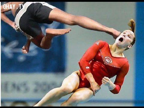 ảnh nữ vận động viên,khoảnh khắc khó đỡ