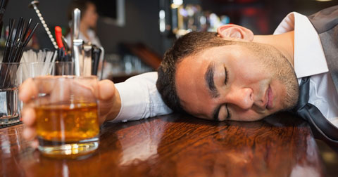 10 mẹo hay để tránh say xỉn khi uống rượu bia