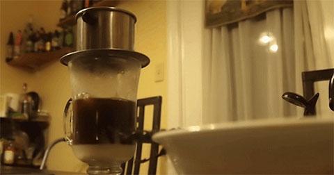 Những bức hình động làm cho fan mê cà phê say lòng