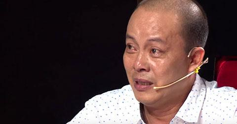 """Tiểu mục \""""Kiếp Hát Rong\"""" khiến BGK Cười Xuyên Việt khóc nức nở"""