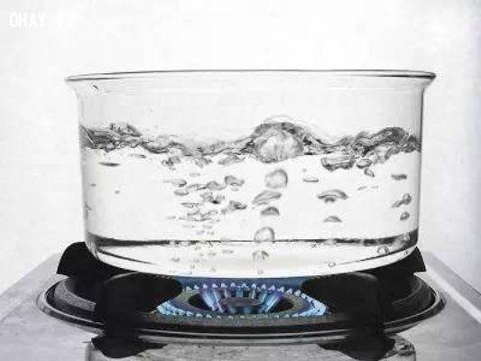 ảnh nước đun sôi,uống nước,uống nước lạnh,các nước phát triển