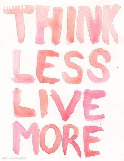 ảnh suy nghĩ quá nhiều,người hay suy nghĩ,phức tạp hóa vấn đề,sống đơn giản