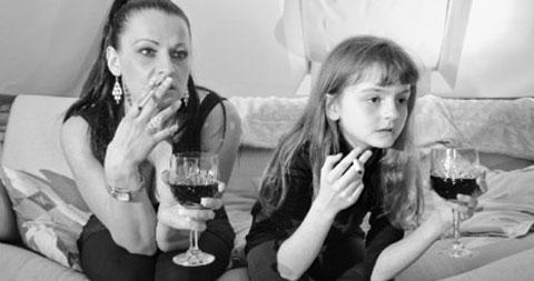 Những bà mẹ đơn thân đã hủy hoại xã hội như thế nào?