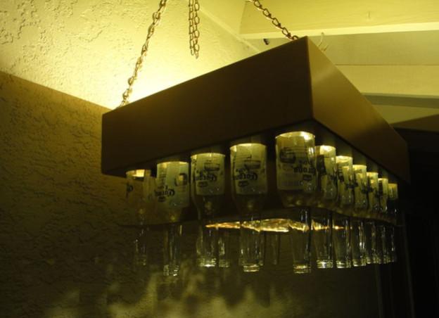 Đèn chùm làm bằng chai bia