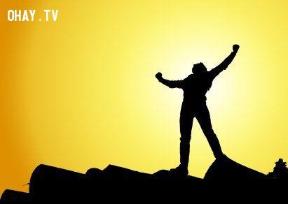 Hãy ghi nhớ 3 điều: CỐ GẮNG cho một tương lai tốt hơn, KIÊN ĐỊNH với công việc, TIN TƯỞNG vào bản thân. Và thành công sẽ thuộc về bạn !