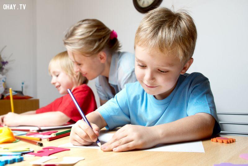 Trẻ em học một cách tự nhiên