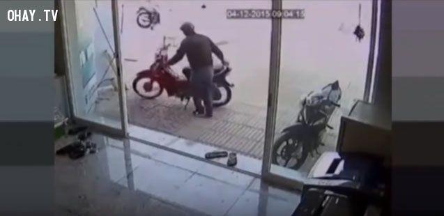 ảnh trộm xe bất thành,trộm xe bị bắt,trộm xe
