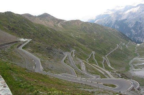 Đường đèo Stelvio, Italy