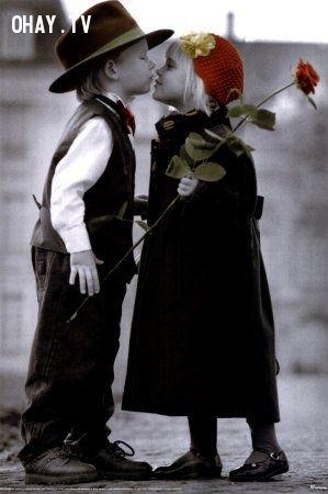 ảnh màn kiss đáng yêu,nụ hôn trẻ thơ,cặp đôi đáng yêu