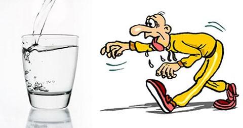 11 biểu hiện liên quan đến mất nước khiến bạn hay ốm vặt và cảm thấy mệt mỏi
