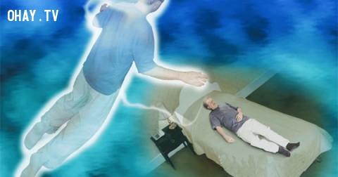 """Hiện tượng """" Hồn lìa khỏi xác"""" có thật hay không?"""