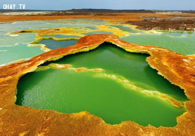 Núi lửa Davol bên bờ ranh giới Ethiopia và Eritria,
