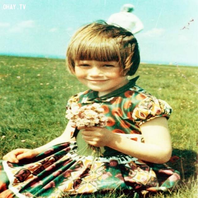 Bức ảnh cô bé và người ngoài hành tinh,