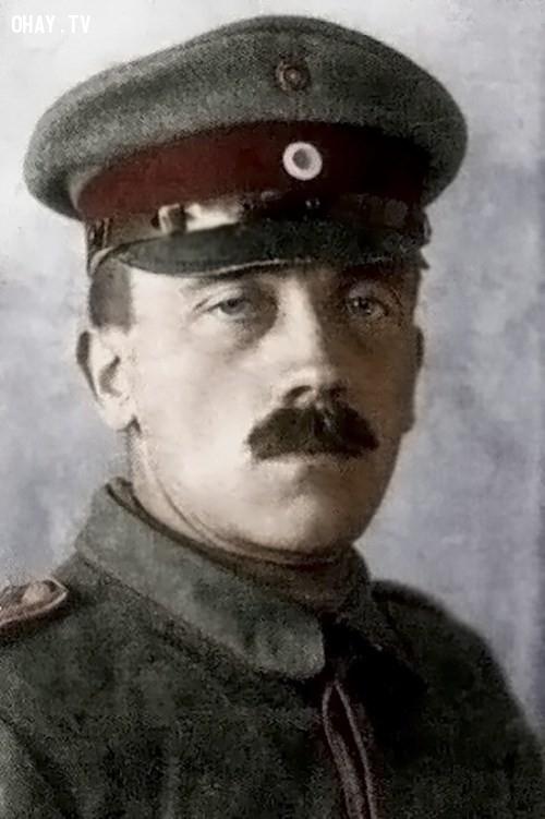 ,Hitler,bí ẩn,cuộc đời