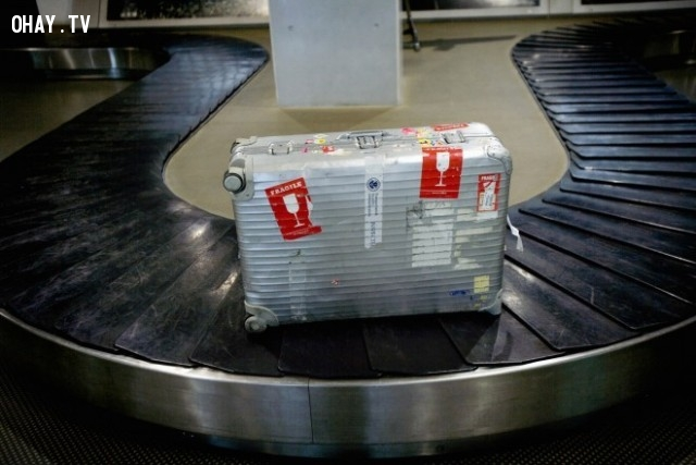 5. Lấy hành lý ký gửi nhanh hơn,du lịch,đi máy bay,mẹo vặt cuộc sống
