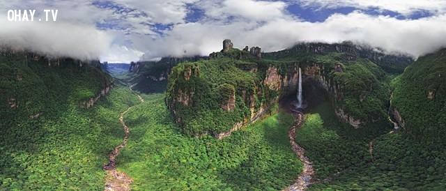 6. Thác Rồng, được biết đến với tên gọi địa phương là Churun Meru, Venezuela,ảnh đẹp,ảnh nhìn từ trên cao,du lịch vòng quanh thế giới,toàn cảnh khắp nơi trên thế giới