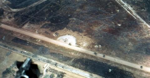 Những hình ảnh khủng khiếp về sân bay Tân Sơn Nhất năm 1968