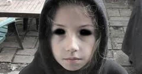 Những câu chuyện kì lạ và bí ẩn về những đứa trẻ mắt chỉ có lòng đen