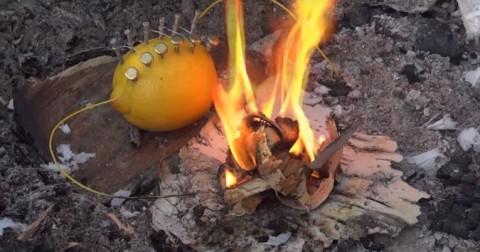 Tạo lửa với quả chanh? Bạn hoàn toàn có thể