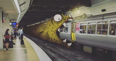 Sẽ ra sao nếu vẽ thêm quái vật vào những bức ảnh chụp cảnh sinh hoạt thường ngày