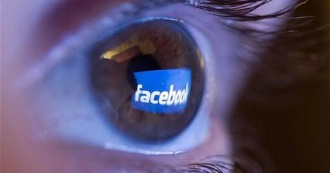 12 bức tranh đáng suy ngẫm phản ánh mặt trái của facebook