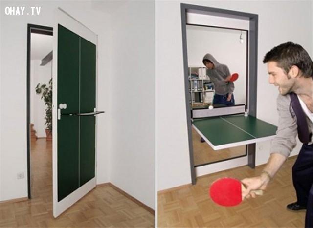 Cánh cửa phòng có thể biến thành bàn bóng bàn để bạn giải trí khi rảnh rổi.,phát minh tương lai,sản phẩm độc đáo,những điều thú vị trong cuộc sống