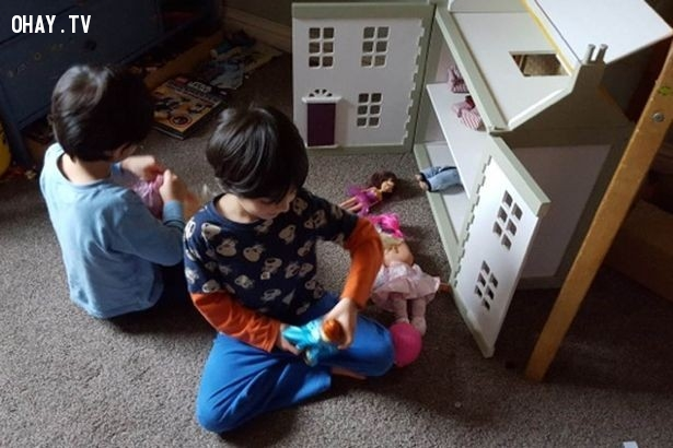 Con gái chơi thể thao thì năng động, con trai chơi búp bê thì...,con trai,con gái,sự khác nhau,hài hước