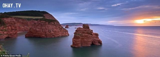 3. Cảnh mặt trời lặn ở vịnh Ladram trên bờ biển Jurassic,địa điểm tuyệt đẹp,địa điểm tuyệt đẹp ngỡ như chỉ có trong mơ,cảnh đẹp,ảnh đẹp,cảnh đẹp hùng vĩ,cảnh đẹp như mơ,khám phá thú vị