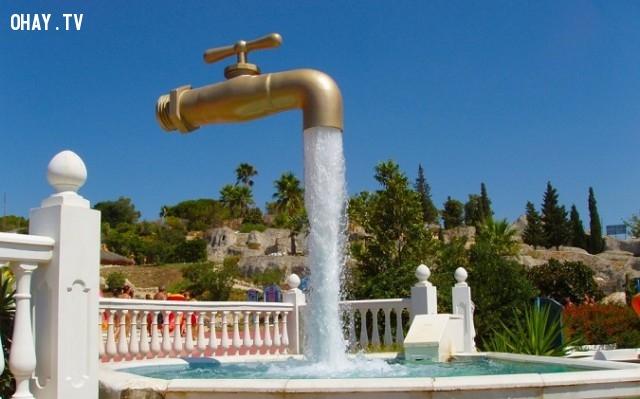 6. Floating Faucet (Vòi nước trên không), Tây Ban Nha,đài phun nước,kiến trúc độc đáo,địa điểm du lịch