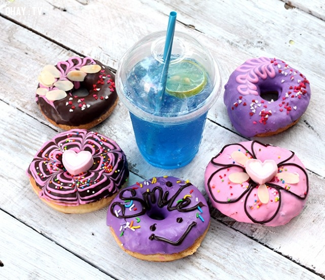 Những chiếc bánh đơn giản nhưng không kém phần thu hút ,bánh donut,bánh donut đáng yêu