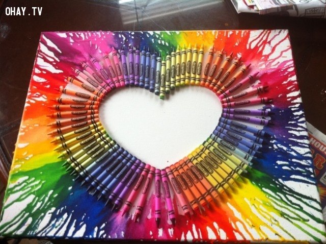 4. Bút sáp màu,trang trí tường nhà,trang trí tường phòng khách,sáng tạo,mẹo vặt,mẹo hay