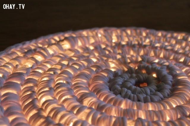 Ngạc nhiên chưa! Rất tuyệt vời khi nó phát sáng từ bên trong ...,cách móc thảm tròn,mẹo vặt,sản phẩm độc đáo,thảm phát sáng