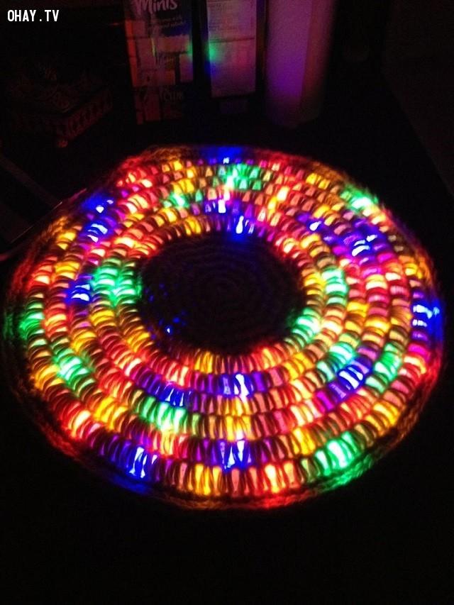 Bạn có thể sử dụng dây led màu để cho kết quả tuyệt vời hơn nữa.,cách móc thảm tròn,mẹo vặt,sản phẩm độc đáo,thảm phát sáng