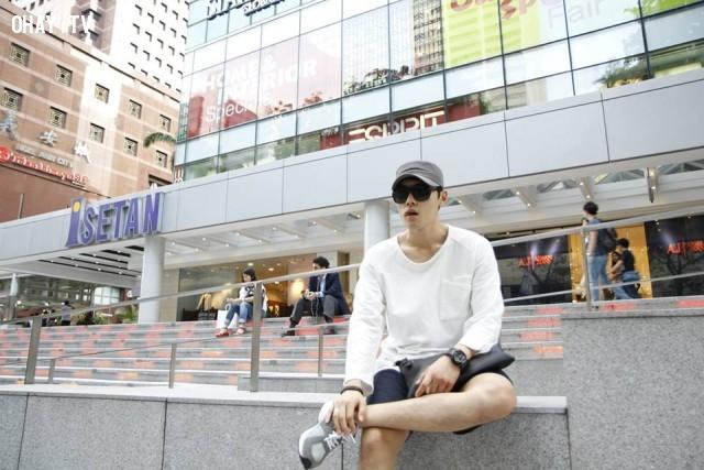 Style chẳng khác những sao Hàn ,thầy giáo soái ca