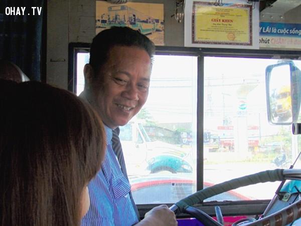 Thương sinh viên như con cháu mình,Xe buýt,yêu thích,sinh viên