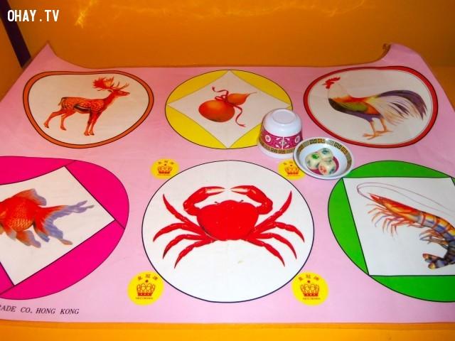 Dụng cụ chơi,Trò chơi dân gian,Bầu cua tôm cá,Bầu cua cá cọp