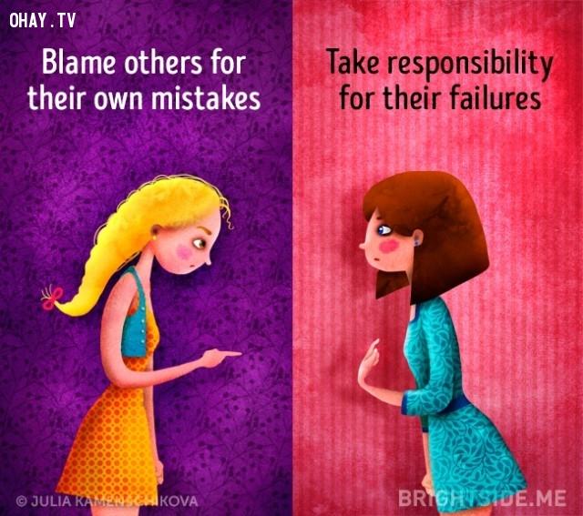5. Người tiêu cực đổ lỗi cho người khác với chính lỗi lầm của họ, người tích cực chịu trách nhiệm với lỗi lầm của mình.,người tích cực,người tiêu cực,sự khác biệt,suy nghĩ tích cực,suy nghĩ tiêu cực,tư duy tích cực